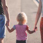 子どもは親の言葉よりも態度から学ぶ